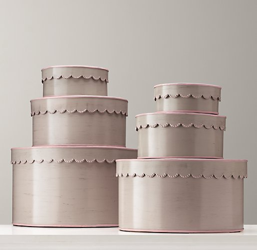 Scalloped-Edge Nesting Boxes