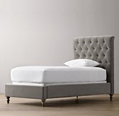 Chesterfield Tufted Velvet Bed