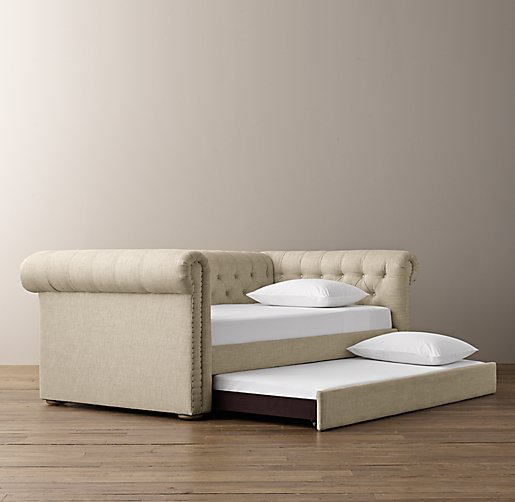 Chesterfield Tufted Daybed With Trundle